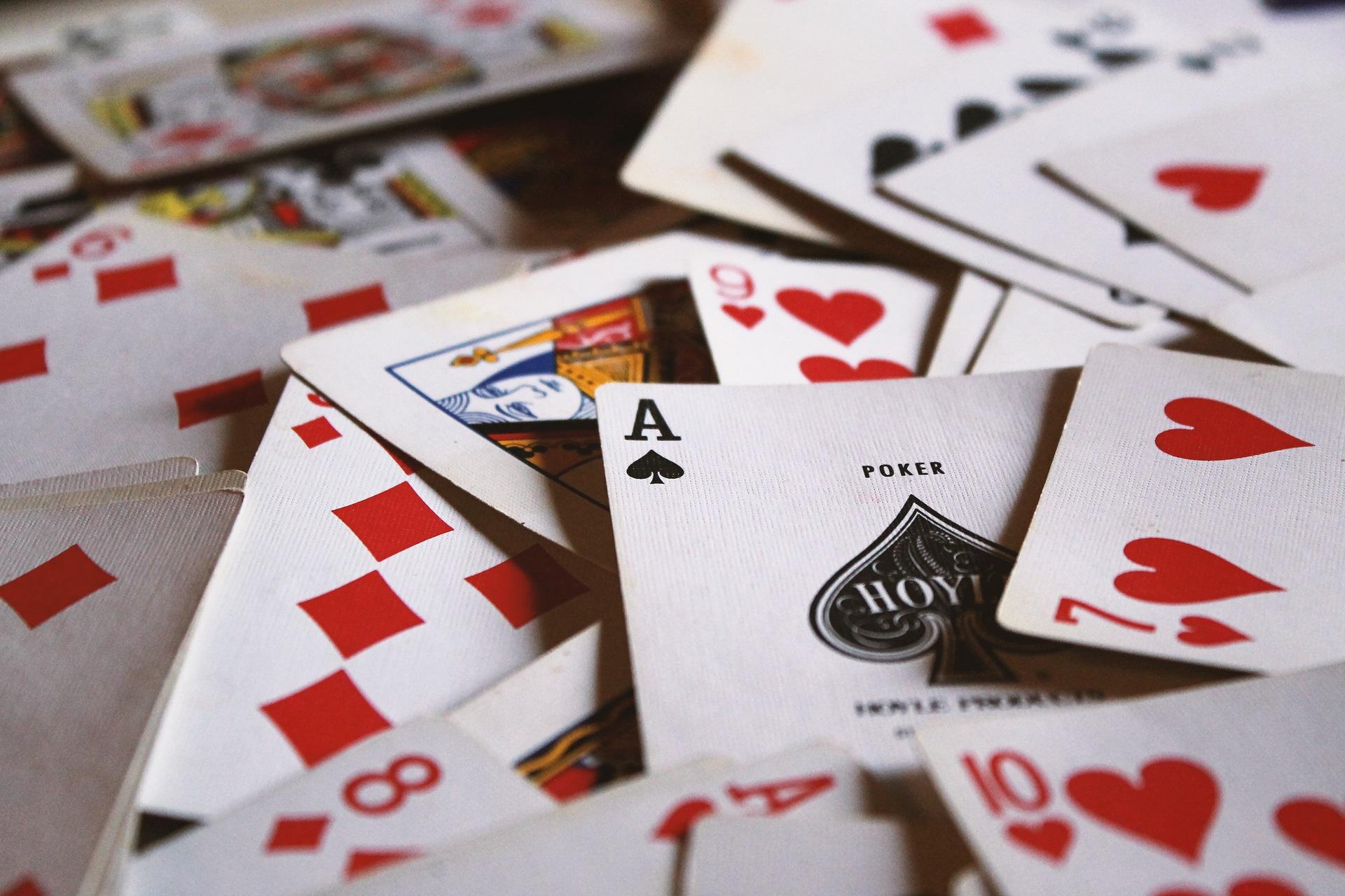 ポーカーをプレイすることの5つの実際の利点